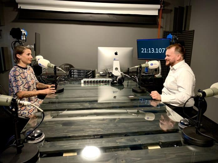 Tomáš Wolf a Ivana Karhanová, podcast Digibiz